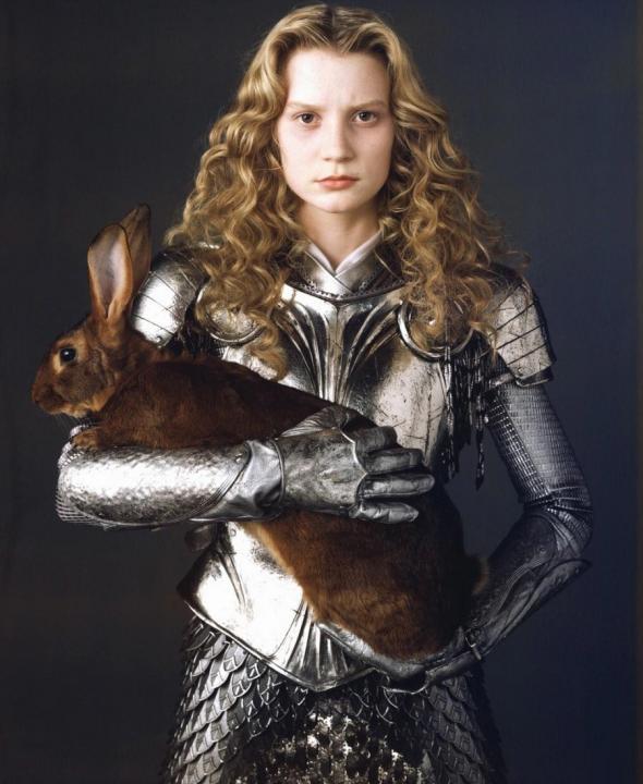mia-wasikowska-armor-alice-in-wonderland.jpg